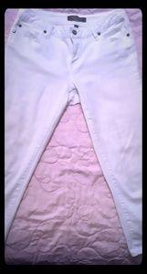 White capri/shortpants